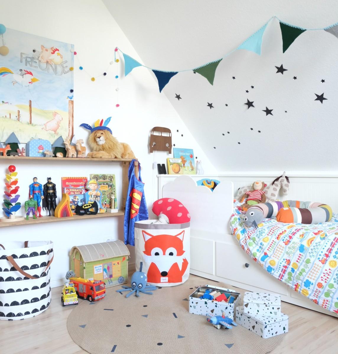 Kinderzimmer Styling - Dekorieren mit viel Platz für Fantasie und ein Wolkenrausfallschutz DIY